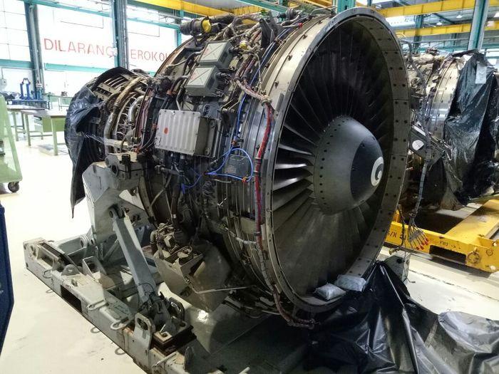 波音737-300-CMF56vwin1523.jpg
